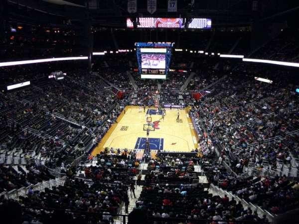 State Farm Arena, secção: 203, fila: C, lugar: 7