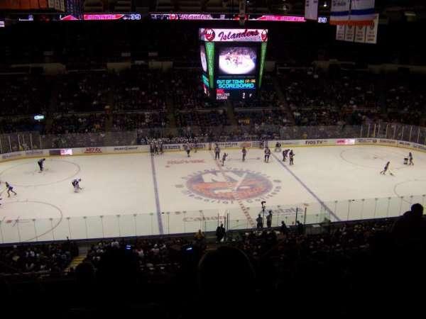 Old Nassau Veterans Memorial Coliseum, secção: 304, fila: P, lugar: 8