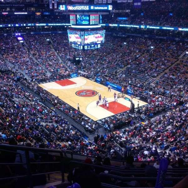 Scotiabank Arena, secção: 305, fila: 9, lugar: 22