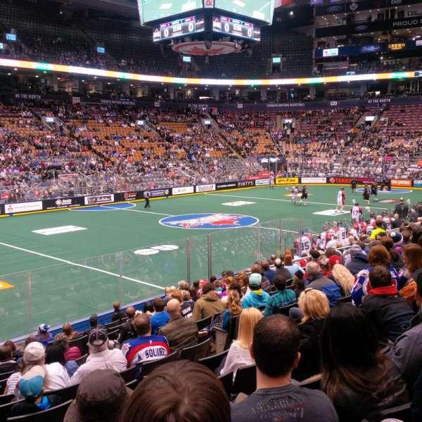 Scotiabank Arena, secção: 121, fila: 14, lugar: 10