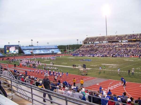 UB Stadium, secção: 202, fila: C, lugar: 1