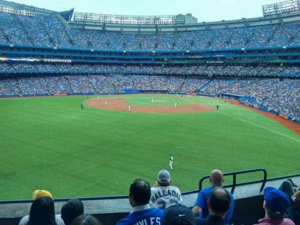 Rogers Centre, secção: 242L, fila: 5, lugar: 104