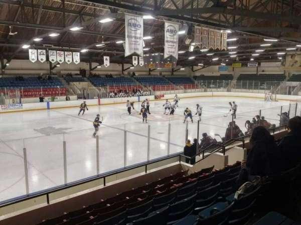 Kingston Memorial Centre, secção: 17, fila: H, lugar: 16