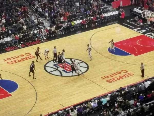 Staples Center, secção: 304, fila: 7, lugar: 9