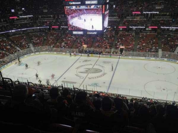 Honda Center, secção: 432, fila: M, lugar: 6