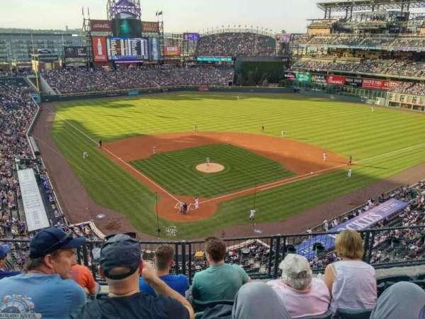 Coors Field, secção: 329, fila: 5, lugar: 8