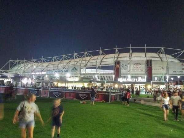 Rio Tinto Stadium, secção: exterior
