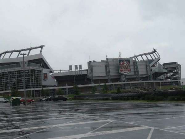 Broncos Stadium at Mile High, secção: exterior