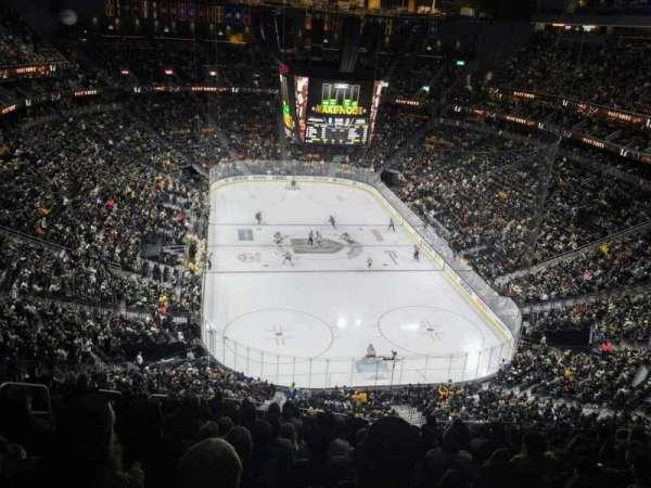 T-Mobile Arena, secção: 213, fila: M, lugar: 7
