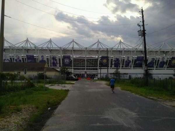 Exploria Stadium, secção: exterior