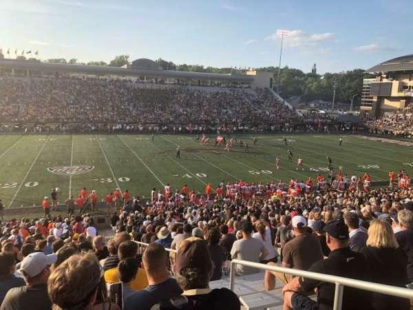 Waldo Stadium, secção: F, fila: 22, lugar: 27