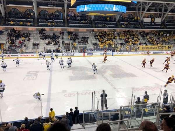 Yost Ice Arena, secção: 3, fila: 15, lugar: 5