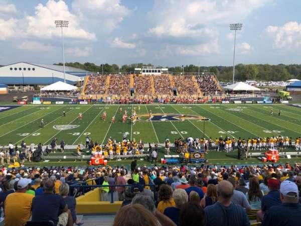 Dix Stadium, secção: 4, fila: 19, lugar: 1