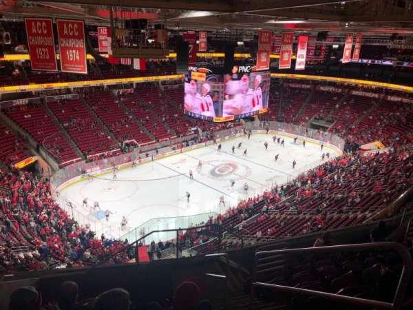 PNC Arena, secção: 329, fila: J, lugar: 2