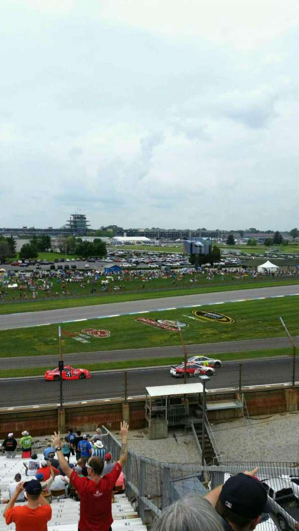 Indianapolis Motor Speedway, secção: 32, fila: QQ, lugar: 14