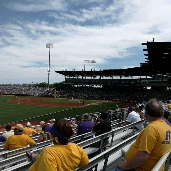 Alex Box Stadium, secção: 222, fila: 9, lugar: 24