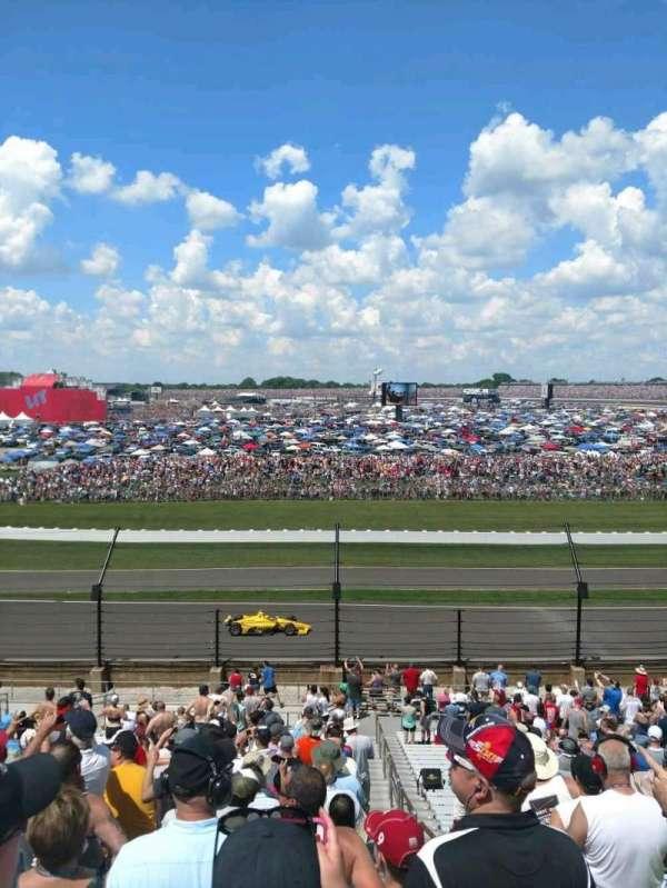 Indianapolis Motor Speedway, secção: 32, fila: KK, lugar: 1