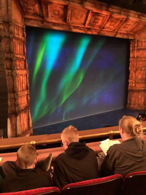 St. James Theatre, secção: Mezz L, fila: C, lugar: 17