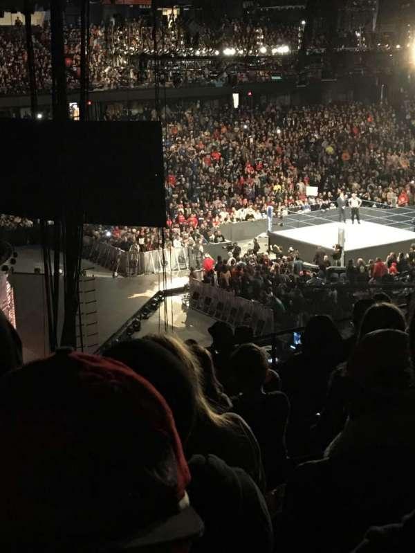 Allstate Arena, secção: 216, fila: q , lugar: 49