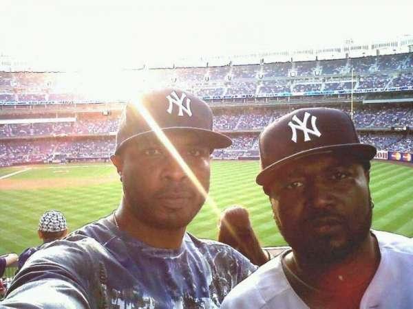 Yankee Stadium, secção: 209, fila: 2, lugar: 1-2
