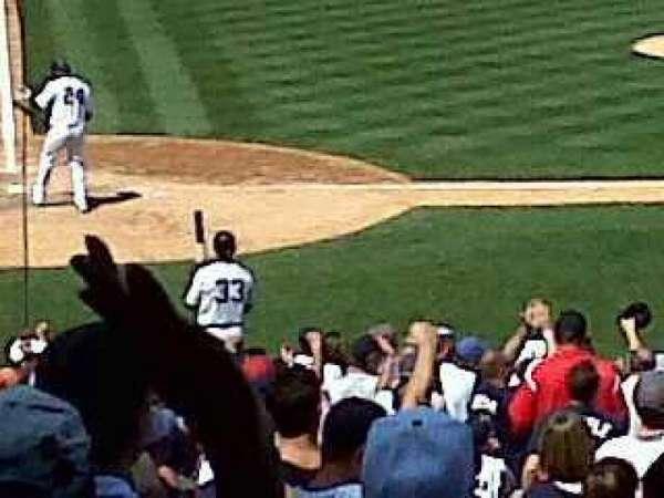 Yankee Stadium, secção: 117B, fila: 27, lugar: 14