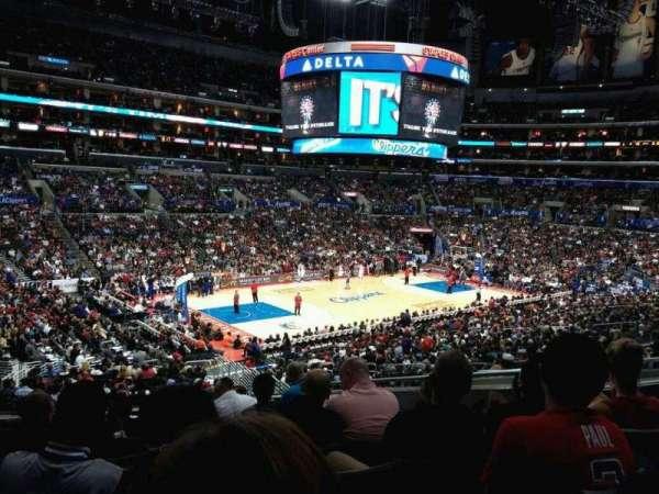 Staples Center, secção: PR17, fila: 9, lugar: 10