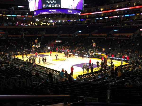 Staples Center, secção: PR10, fila: 3, lugar: 2