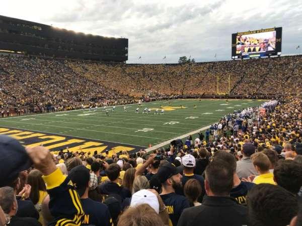 Michigan Stadium, secção: 8, fila: 25, lugar: 13