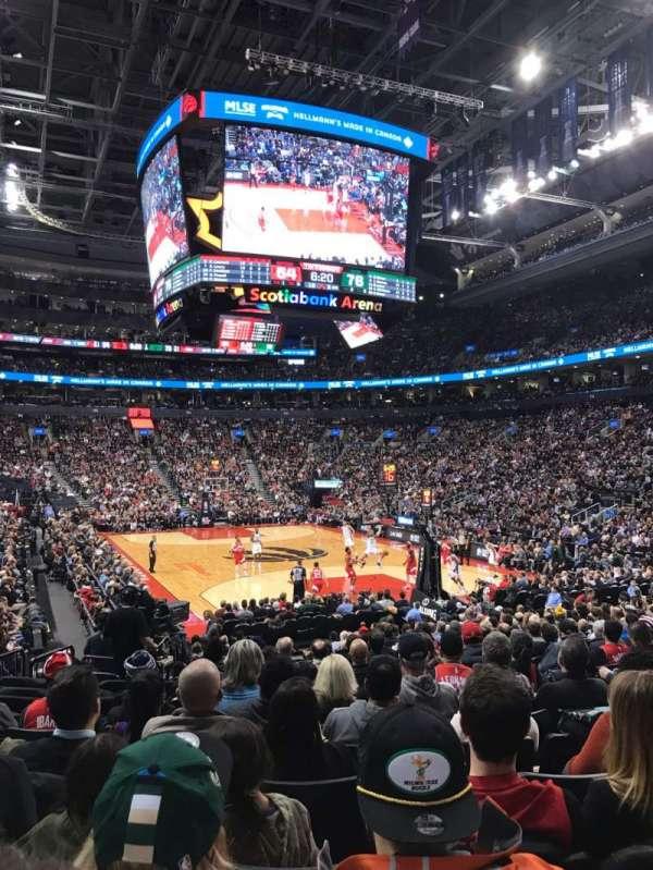 Scotiabank Arena, secção: 104, fila: 16, lugar: 6
