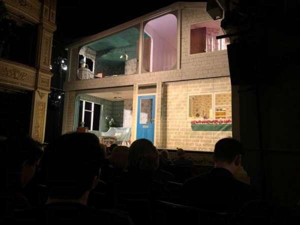 Duke of York's Theatre, secção: Stalls, fila: F, lugar: 20