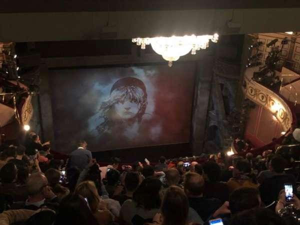 Queen's Theatre, secção: Grand Circle, fila: L, lugar: 17
