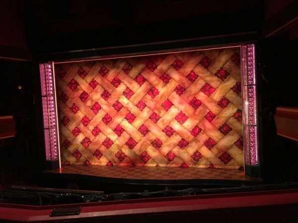 Adelphi Theatre, secção: Dress Circle, fila: B, lugar: 11
