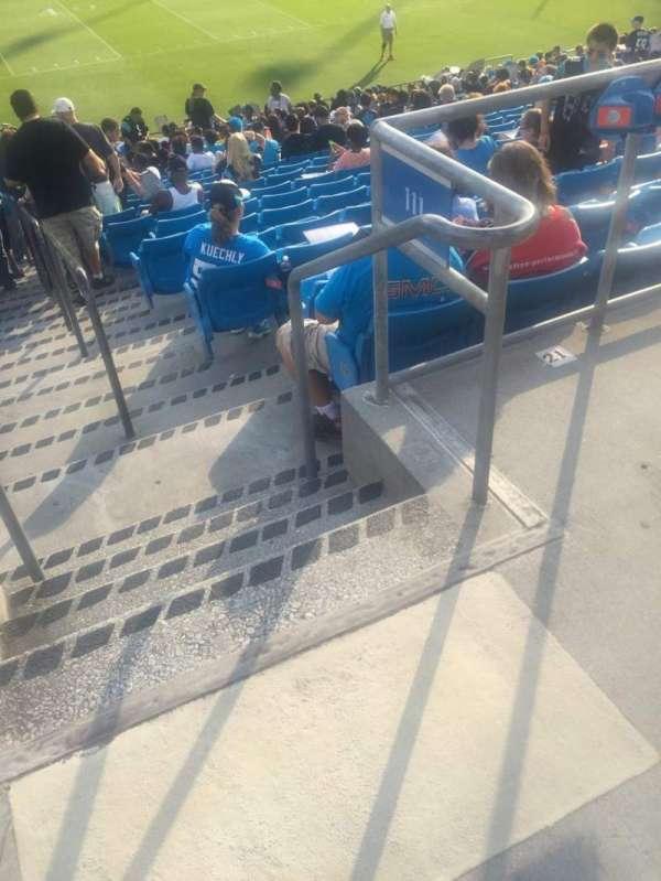 Bank of America Stadium, secção: 111, fila: 20, lugar: 1
