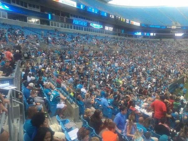 Bank of America Stadium, secção: 136, fila: 22, lugar: 18