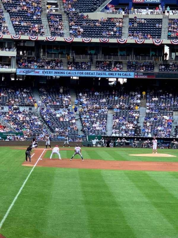 Kauffman Stadium, secção: 148, fila: P, lugar: 12