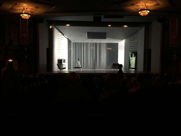 Gerald Schoenfeld Theatre, secção: Orchestra C, fila: R, lugar: 102