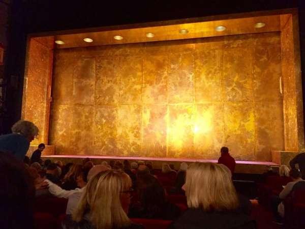 Cort Theatre, secção: Orchestra C, fila: L, lugar: 112