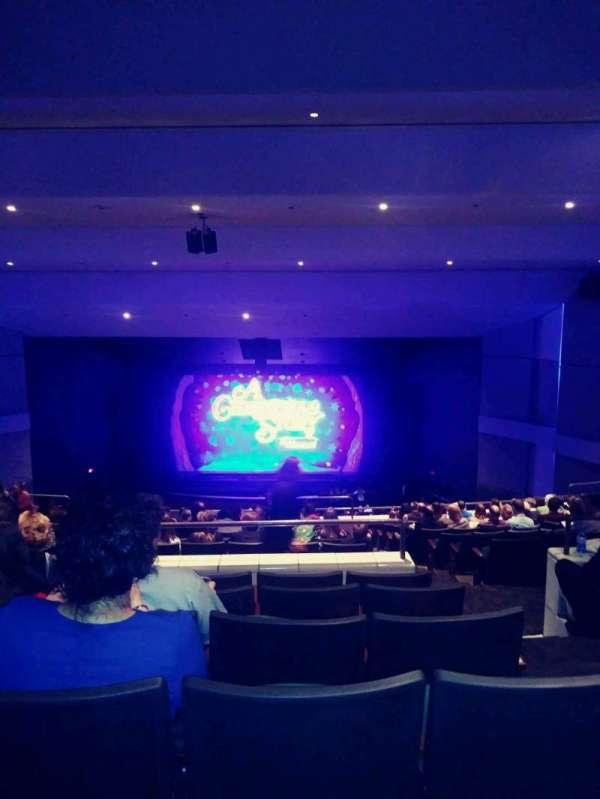 Ovens Auditorium, secção: 103, fila: RR, lugar: 2