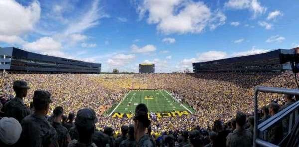 Michigan Stadium, secção: 12, fila: 95, lugar: 7