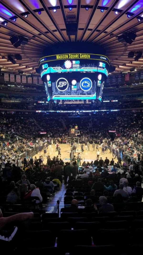 Madison Square Garden, secção: 102, fila: 13, lugar: 13
