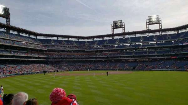 Citizens Bank Park, secção: 102, fila: 4, lugar: 11