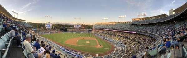 Dodger Stadium, secção: 11RS, fila: E, lugar: 12