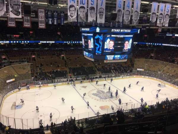 Scotiabank Arena, secção: 310, fila: 28, lugar: 13