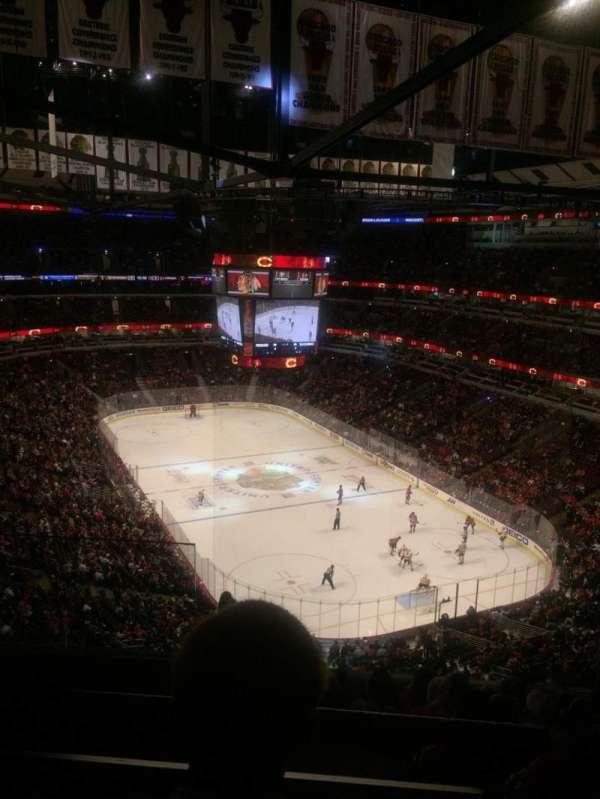 United Center, secção: 329, fila: 10, lugar: 19