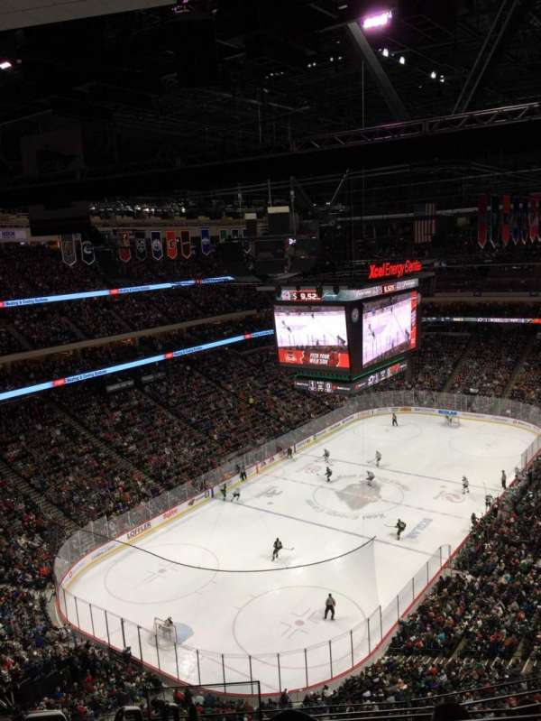 Xcel Energy Center, secção: 223, fila: 6, lugar: 9