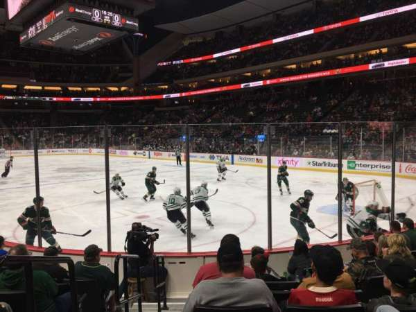 Xcel Energy Center, secção: 125, fila: 8, lugar: 10