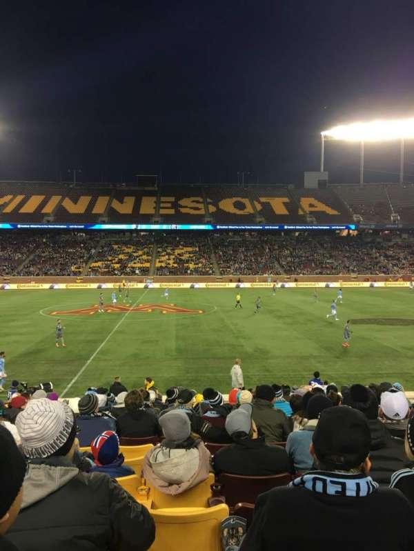 TCF Bank Stadium, secção: 140, fila: 15, lugar: 16
