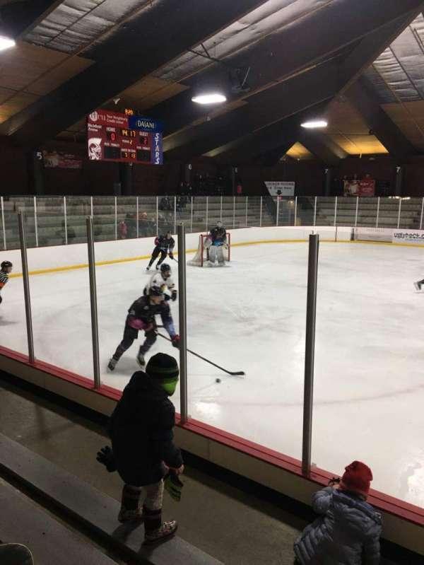 Richfield Ice Arena, secção: 2, fila: D, lugar: 3