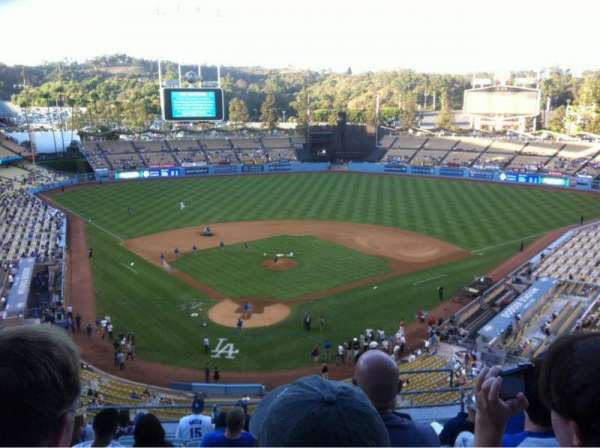 Dodger Stadium, secção: 4RS, fila: L, lugar: 17
