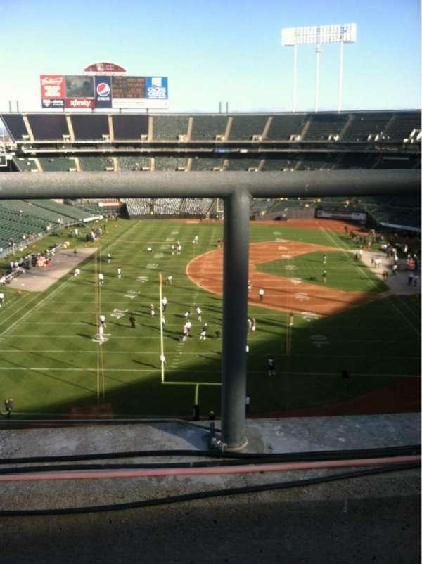 Oakland Coliseum, secção: 328, fila: 1, lugar: 15